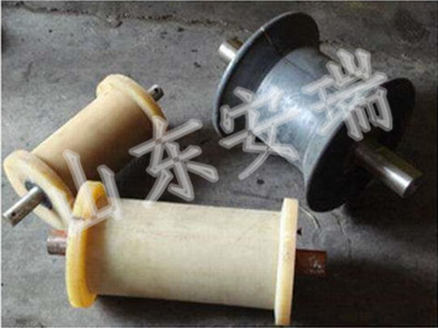 煤矿专用钢丝绳托绳地轮材质,各种型号尼龙地轮专业厂家